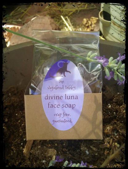 divine luna one